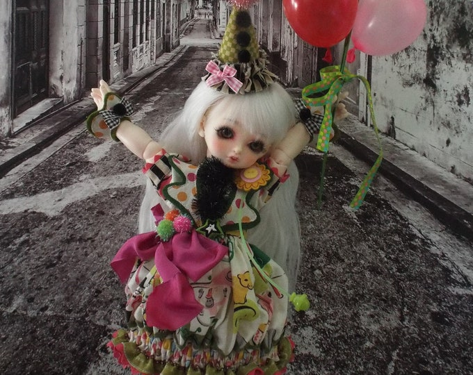 Peanut the Clown for MSD BJD Dolls such as Kaye Wiggs MSD, Dollstown 7 yrs, Rosenlied Holiday, Volks