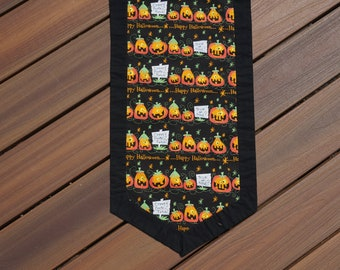 Halloween Table Runner, Pumpkins In A Row Reverses to a Sparkly Dark Green for Spring, Summer, Fall and Winter 13 x 52 -READY TO SHIP