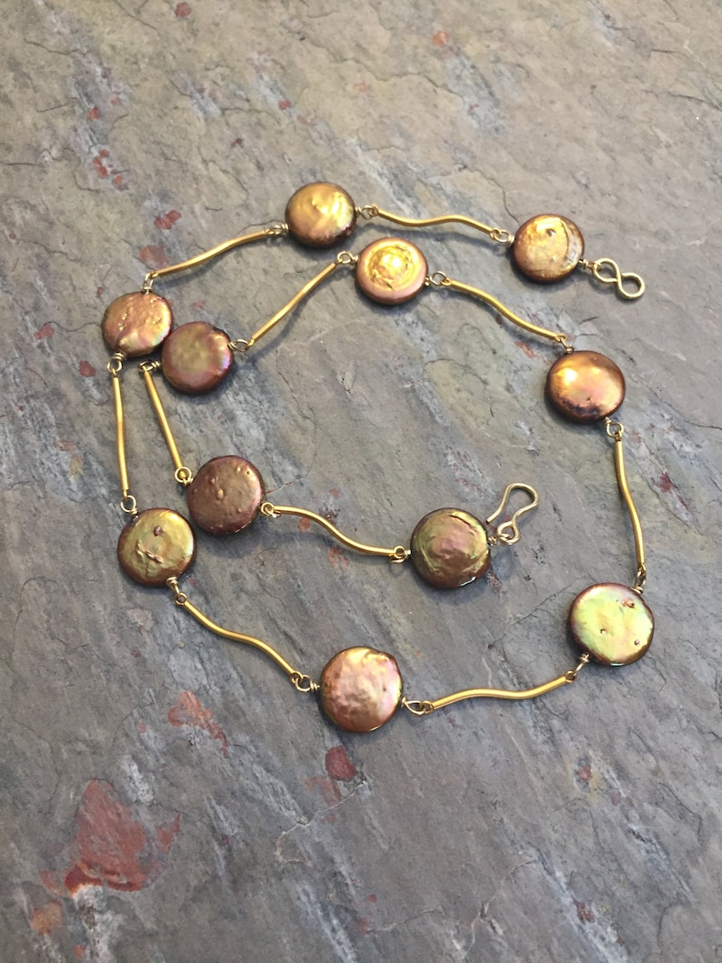 fine gold jewelry 24K gold coin pearl necklace short gold wavy link necklace bronze coin pearl necklace 24K satin gold pearl choker,