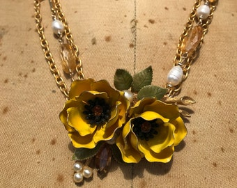 Weiss Brooch Citrine & Freshwater Pearl Necklace