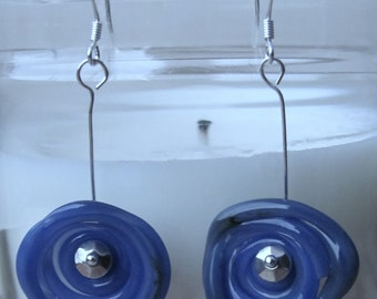 Spiral handcrafted glass earrings - Cerulean blue