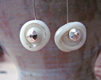 Spiral handcrafted glass earrings - Cream
