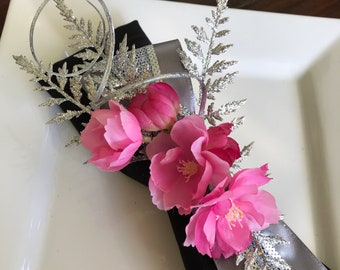 Napkin Rings - silver fern leaves with blossoms  - Christmas - New Years