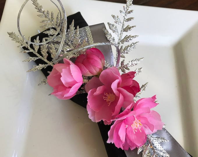 Featured listing image: Napkin Rings - silver fern leaves with blossoms  - Christmas - New Years