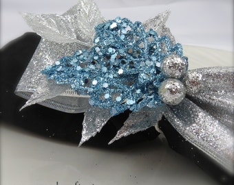 Napkin Ring -Ice Blue Sparkle Leaf with Silver Berries  -  Christmas or New Year's Eve