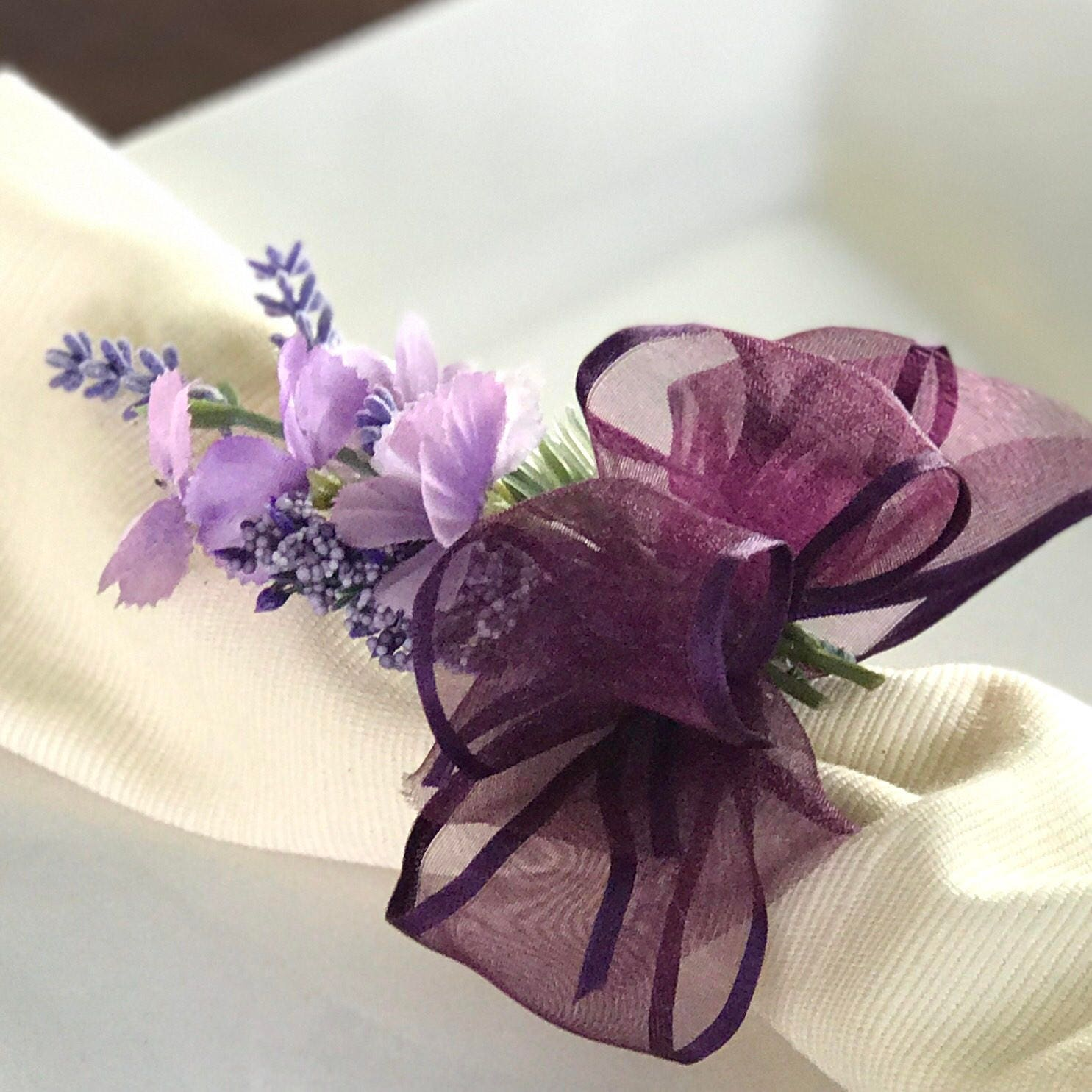 Napkin Ring - Purple flower bouquet - Wedding Decoration - Wedding ...