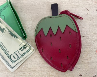 Buxton Tiny Red Strawberry Leather Coin Purse Vintage 1970s 1980s