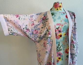 Miss Elaine Pastel Pink Rose Floral Robe Seersucker Cotton Blend Vintage 1980s Womens Med Made in USA