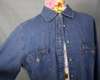 """Levi's Red Tab Western Style Chambray Denim Shirt 100% Cotton Womens XL Volup 40"""" Waist Cowgirl Street Style"""