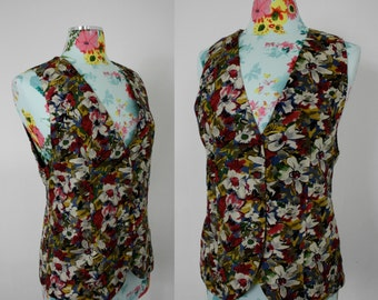 Vintage Floral Print 100% Silk Ladies Vest for Saks Fifth Avenue | Fashion 1970s | Fitted Fully Lined Lux Sleeveless | Small Med 34 Bust