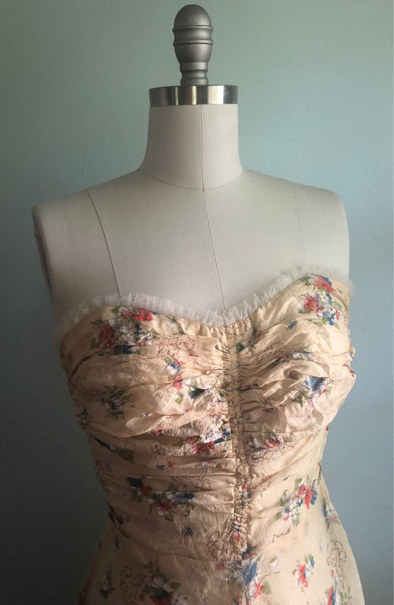 Early 1940s 40s Floral Beige Tan Khaki Strapless … - image 4