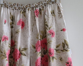 pink carnations...ladies gathered skirt with side seam pockets in vintage fabrics