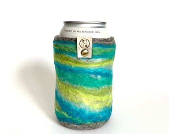 Pyramid Country Guy Gift, Gifts for Him, Wool Anniversary Gifts for Men, Wool Present, Craft Beer Sleeve Gift, Insulated Felt Beer Sweater
