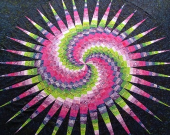 Disappearing Spiral Bargello Pattern