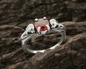 Raven Skull Garnet Wedding Ring, Sterling silver gothic promise ring, dainty goth January birthstone ring, stackable witchy engagement ring