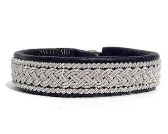 "SwedArt B05 XXS Classic Lapland Bracelet Reindeer Leather Antler Button 7/16"" Wide Black"
