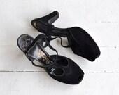 Black Widow platforms | vintage 1940s shoes | black 40s platform heels 6.5
