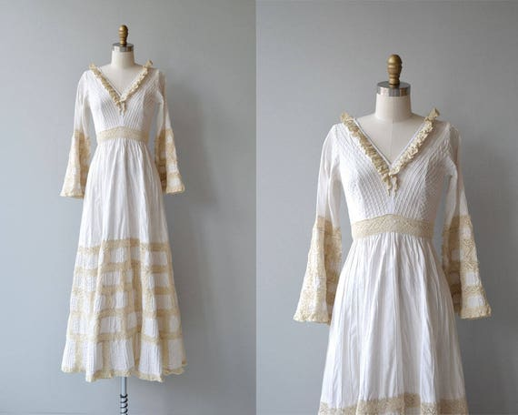 Dulce wedding gown | vintage 1970s Mexican wedding