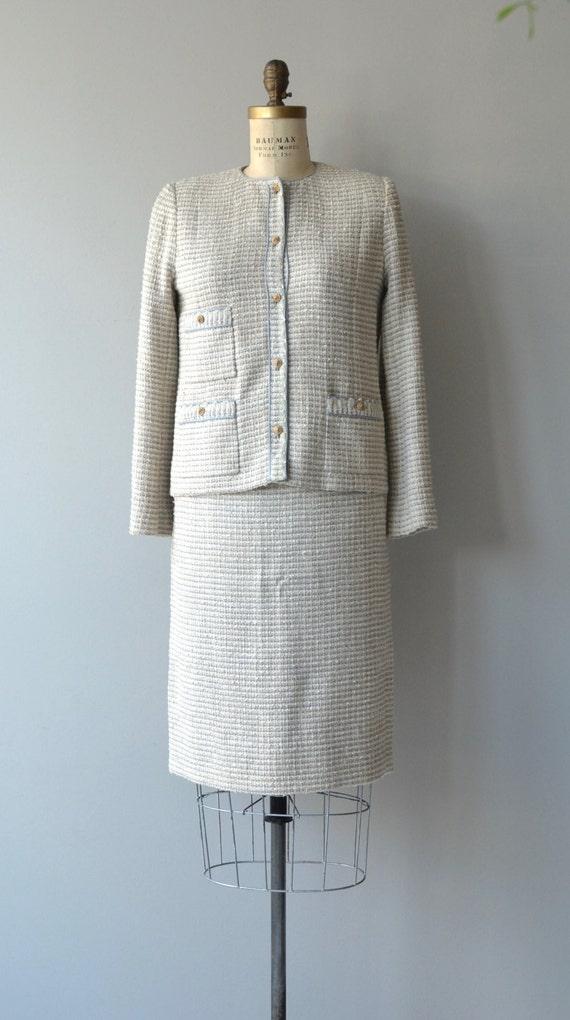 Chanel suit   vintage boucle jacket and skirt   v… - image 5