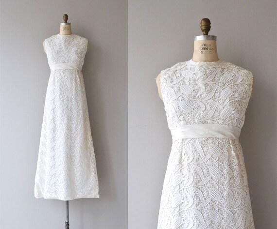 Lale Devri wedding gown | 60s lace wedding dress •