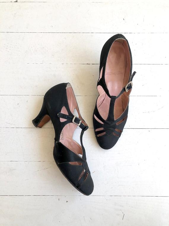 Hudson's Detroit t-strap heels   1920s shoes   vin