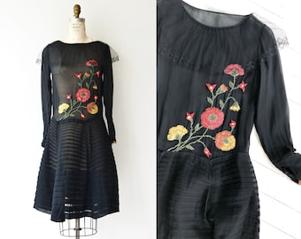 Floral Crewel silk dress | silk 1920s dress | vintage 20s dress