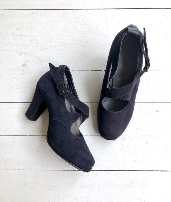 Indigo cross strap heels | 1930s shoes | vintage 3