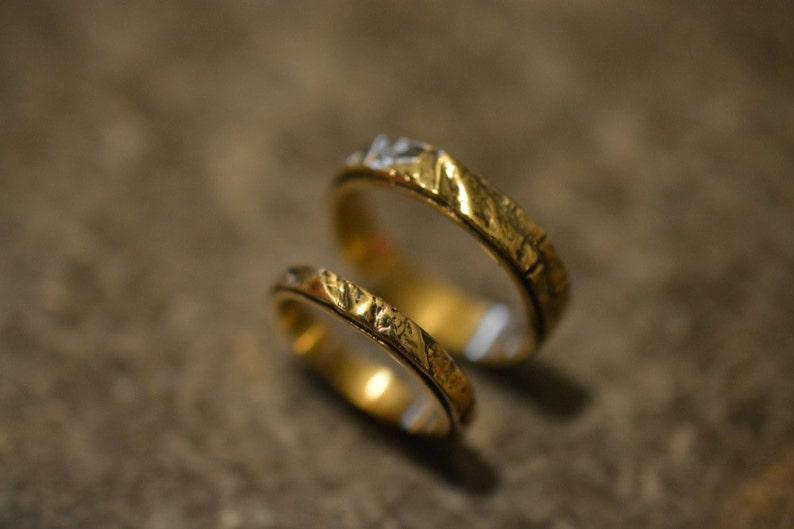 14K Gold Wedding Ring set  Leaf Texture Natural  Woodland image 0