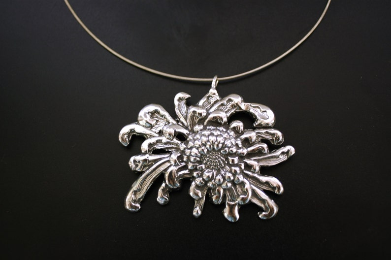 Asian Mum Floral Sterling Necklace image 0