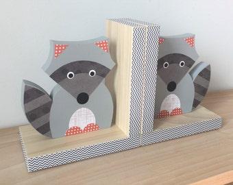 Raccoon Bookends, Woodland Nursery, Woodland Kids Decor, Nursery Decor, Kids Decor, eco friendly