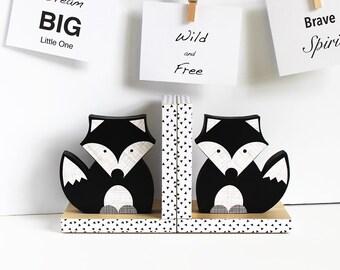 Black and White Fox Bookends,  Black and White Nursery, Animal Bookends, Fox Bookends, Woodland Nursery, Children's Bookends. Monochromatic
