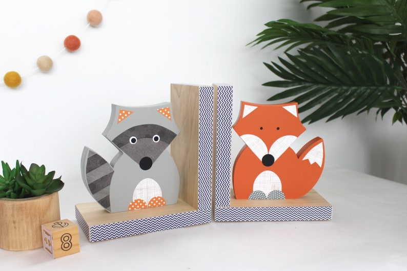 Forest Animal Bookends, Fox and Raccoon Bookends, Woodland Nursery,  Children's Bookends, Forest Themed Nursery, Woodland Animal, natural