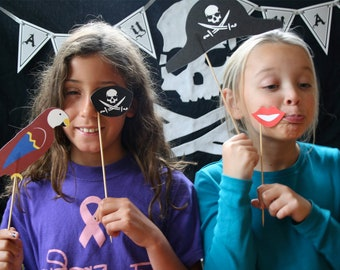 Pirate Printable PHOTO BOOTH PROPS - Editable Text >> Instant Download   Paper and Cake