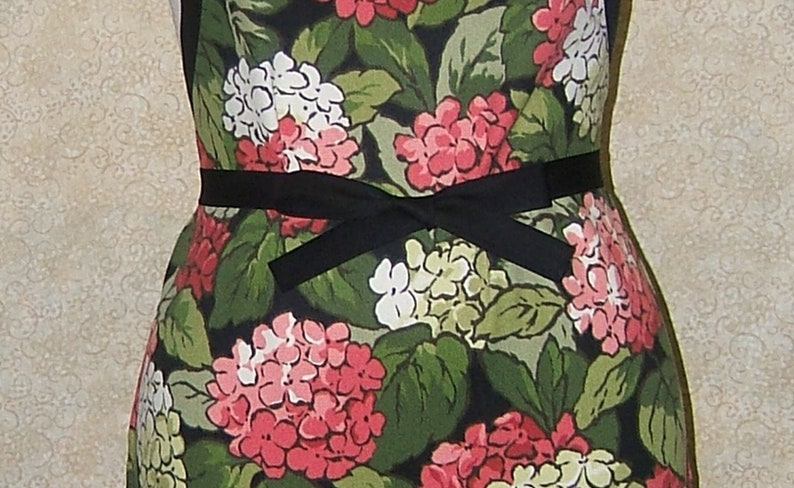 READY TO SHIP apron Hydrangea print canvas no lining no pocket basic chef style floral bright colors gardening baking 26 L 20 W