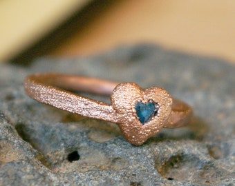 Swiss Blue Topaz Heart, Promise Ring, Hammered Band, Textured Electroformed Copper, Minimalist Boho Jewelry, Size 8