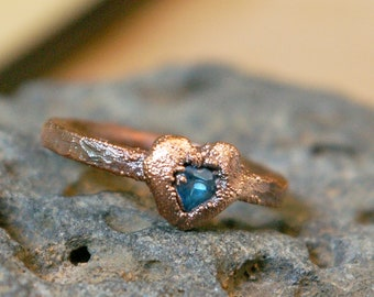 Swiss Blue Topaz Heart, Promise Ring, Hammered Band, Textured Electroformed Copper, Minimalist Boho Jewelry, Size 4 1/2