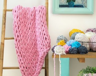 Arm knitting PDF tutorial , step by step DIY pattern ready to download by Babytogo