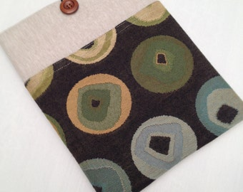 """Linen macbook 13"""" padded sleeve /Linen Macbook 13"""" retina case / Made in Maine /Linen  blend cover w/ circle upholstery fabric pocket"""