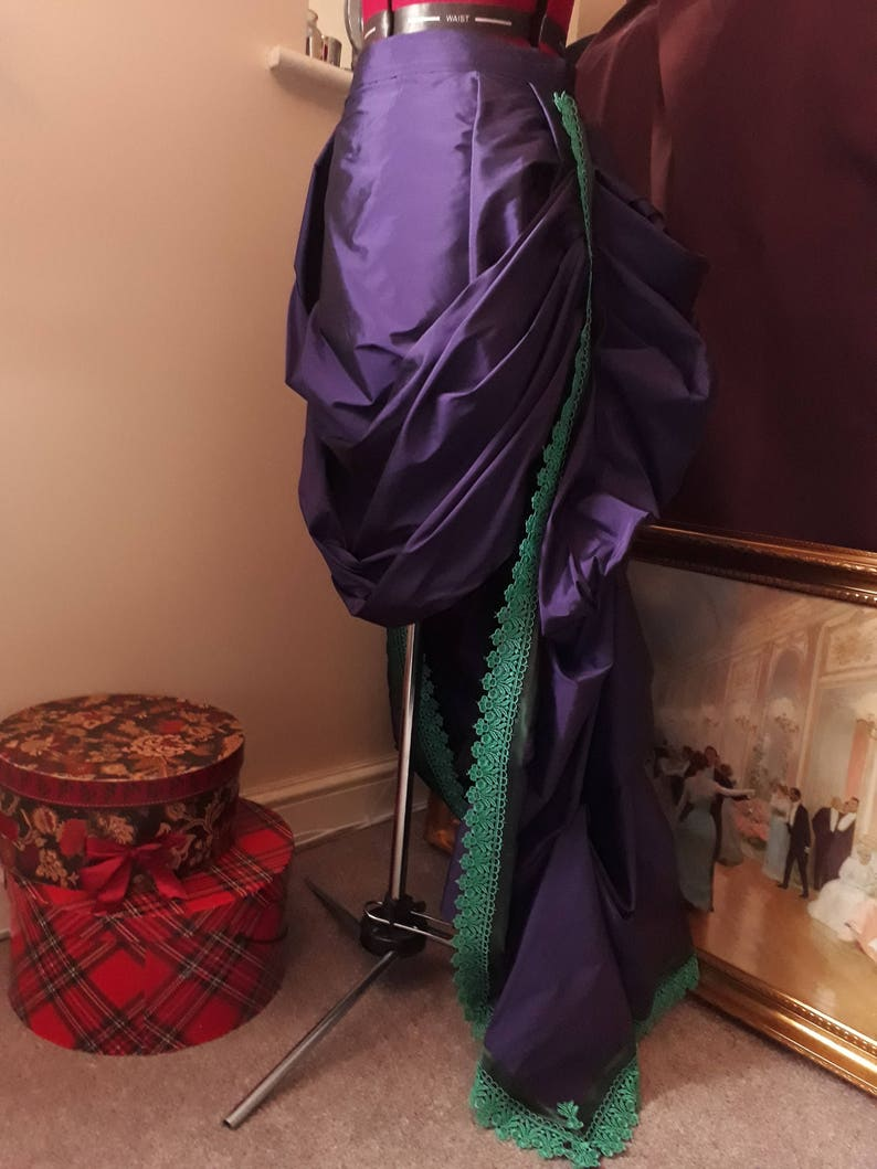 BUSTLE PILLOW VICTORIAN SKIRT WHITBY MEDIEVAL FREE P/&P