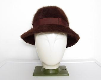 2684031f4b824 Women s Vintage 1980s Kangol Hat   Brown Angora Furgora Bucket Hat w  Ribbon