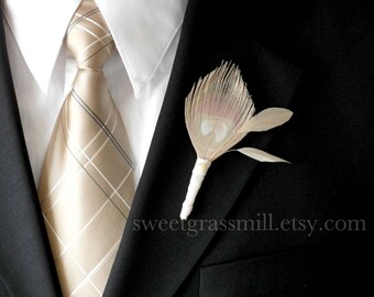 Grooms Peacock Feather Boutonniere - FAIRE Boutonniere