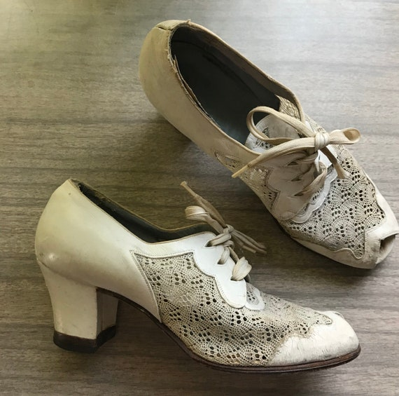 Unique 1930s 1940s White Mesh and Leather Peep Toe