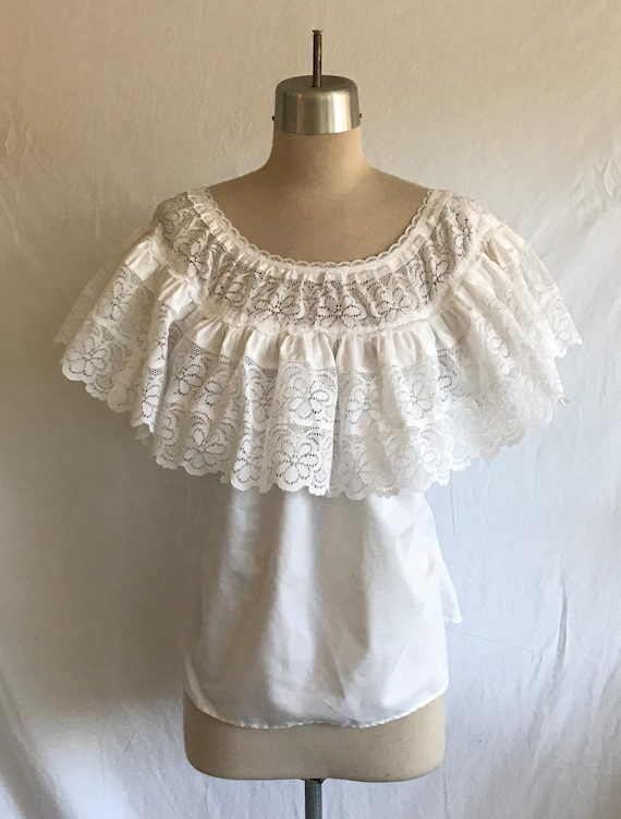 1940s 1950s Style White Lace Ruffled Peasant Style