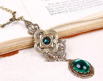 Emerald Victorian Necklace, Green Pendant, Bridesmaid Gift, Wedding Necklace, Ren Faire Bride, Renaissance Necklace, Medieval Garb, N3