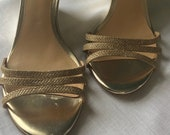 Vintage 1990s Badgley Mischka Gold Tone Wedges Size 9