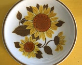 Vintage 1970s Sunflower Plates, Sunflower Plate, Premiere Colorama Sunflower Plates,