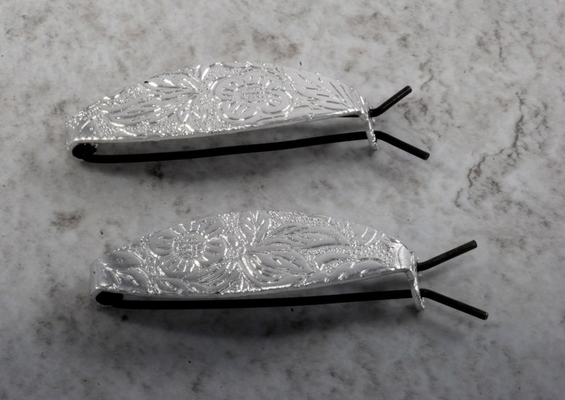 Vintage Barrette Pair Silver Tone Metal Oval Etched Design Small Light Weight C