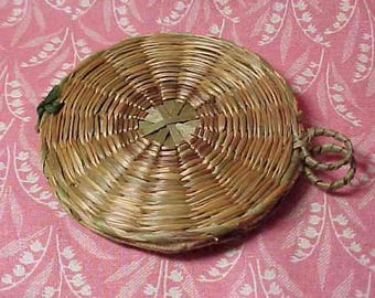 Vintage Sweet Grass Sewing Needle Keeper Holder Case