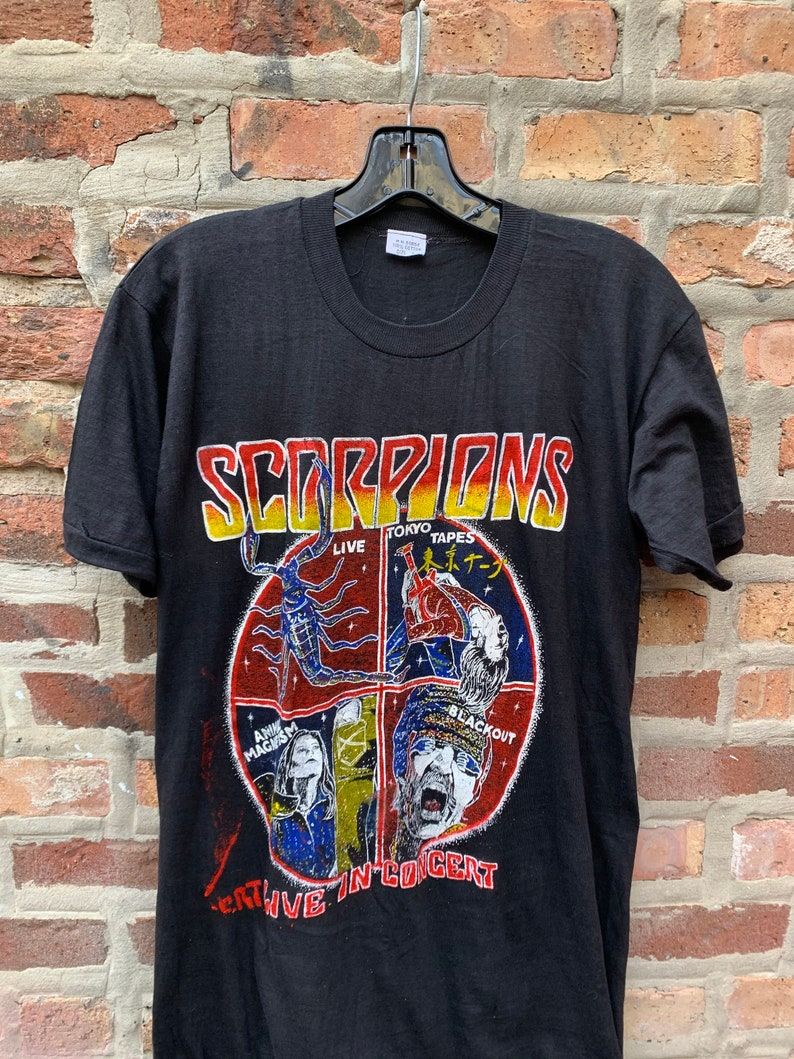 Vintage 80s The Scorpions Parking Lot Concert T-Shirt Size Large Dead Stock single stitch Blackout Tokyo Tapes Animal Magnetism