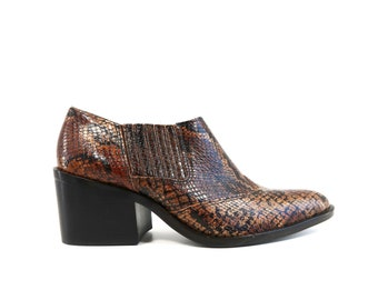d45d5d554b3 Size 6.5-7  Vintage SAM   LIBBY Leather Brown Snakeskin Print Woman s Retro  Booties   Ankle Boots   Shoes